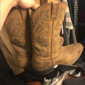 Twisted boots